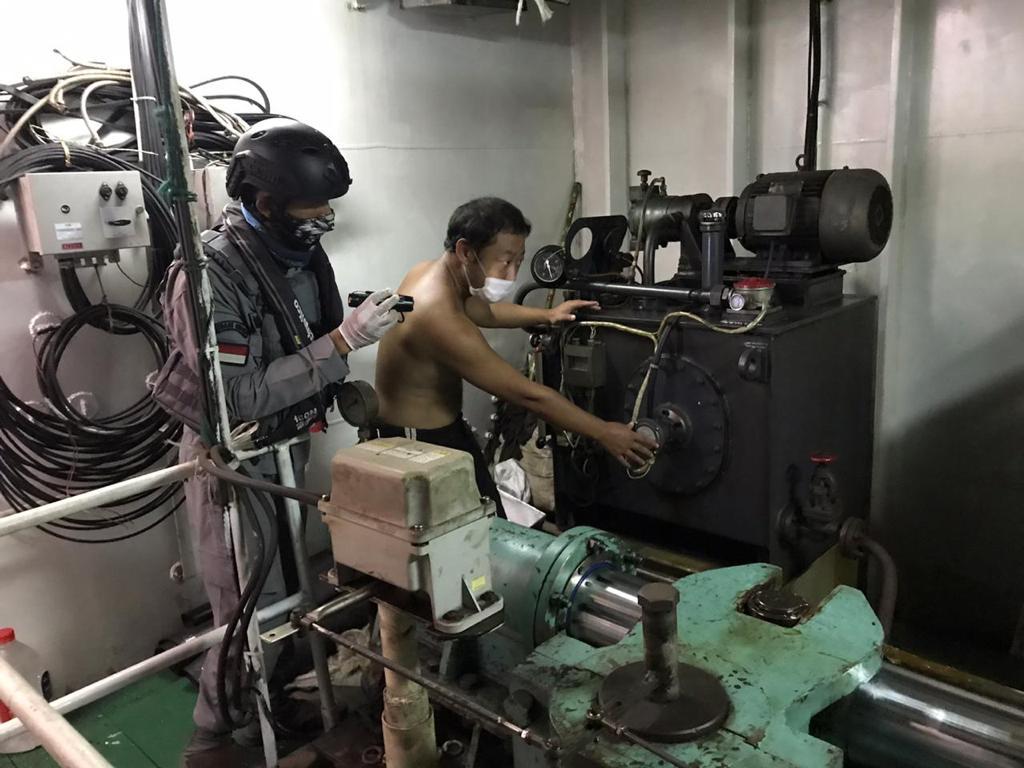 KN Tanjung Datu 301 Bantu Kapal Tiongkok Alami Rusak Kemudi di ALKI 1