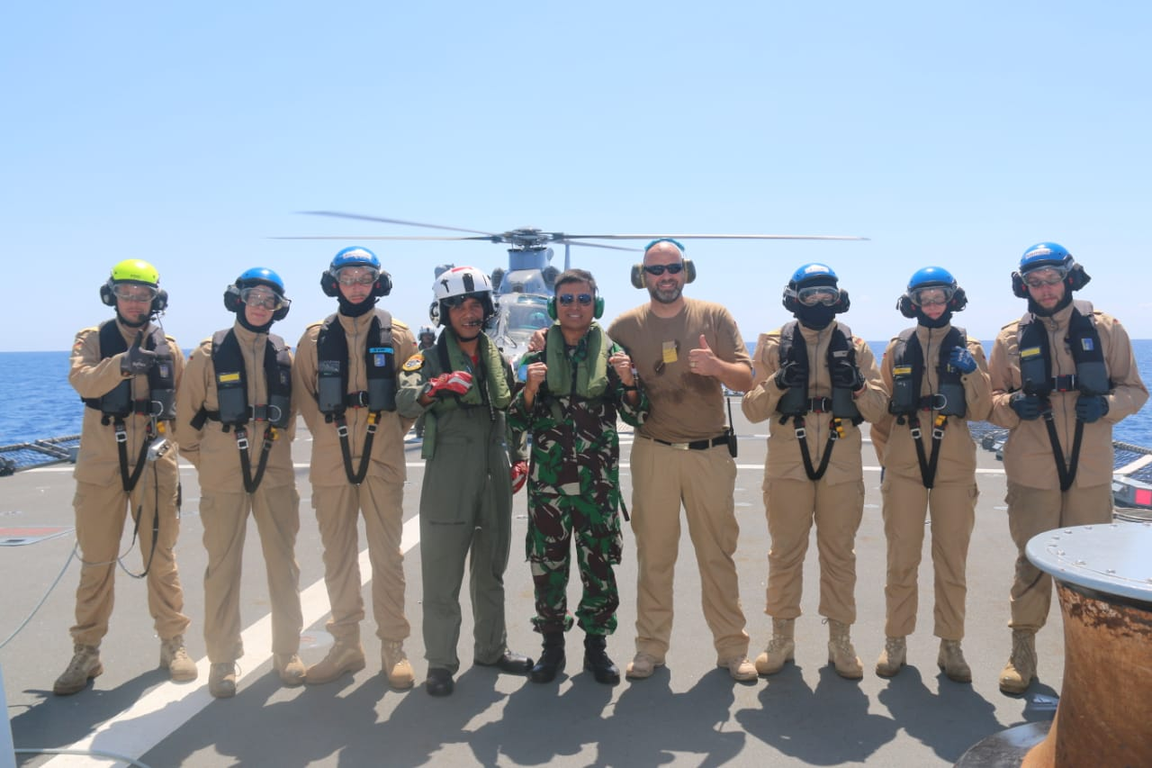 SATGAS MARITIM TNI 28K KRI SULTAN HASANUDDIN-366 LATIHAN FLYING EXERCISE DENGAN KAPAL PERANG JERMAN