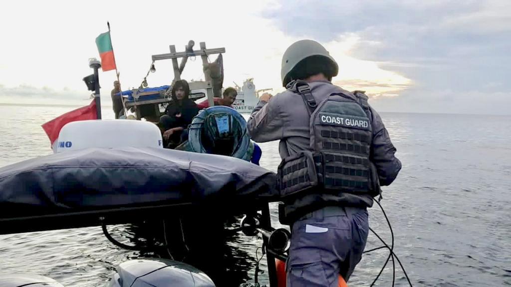 Kamla Zona Maritim Tengah Sosialisasikan Keselamatan Pelayaran Bagi Nelayan