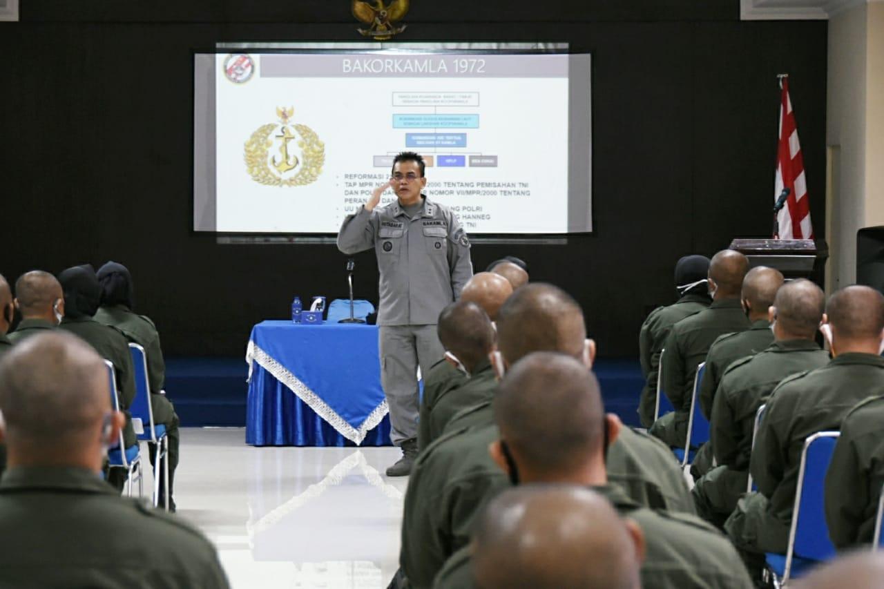 Deputi Operasi dan Latihan Bakamla RI Berikan Pembekalan Terhadap Siswa Diklatsarmil