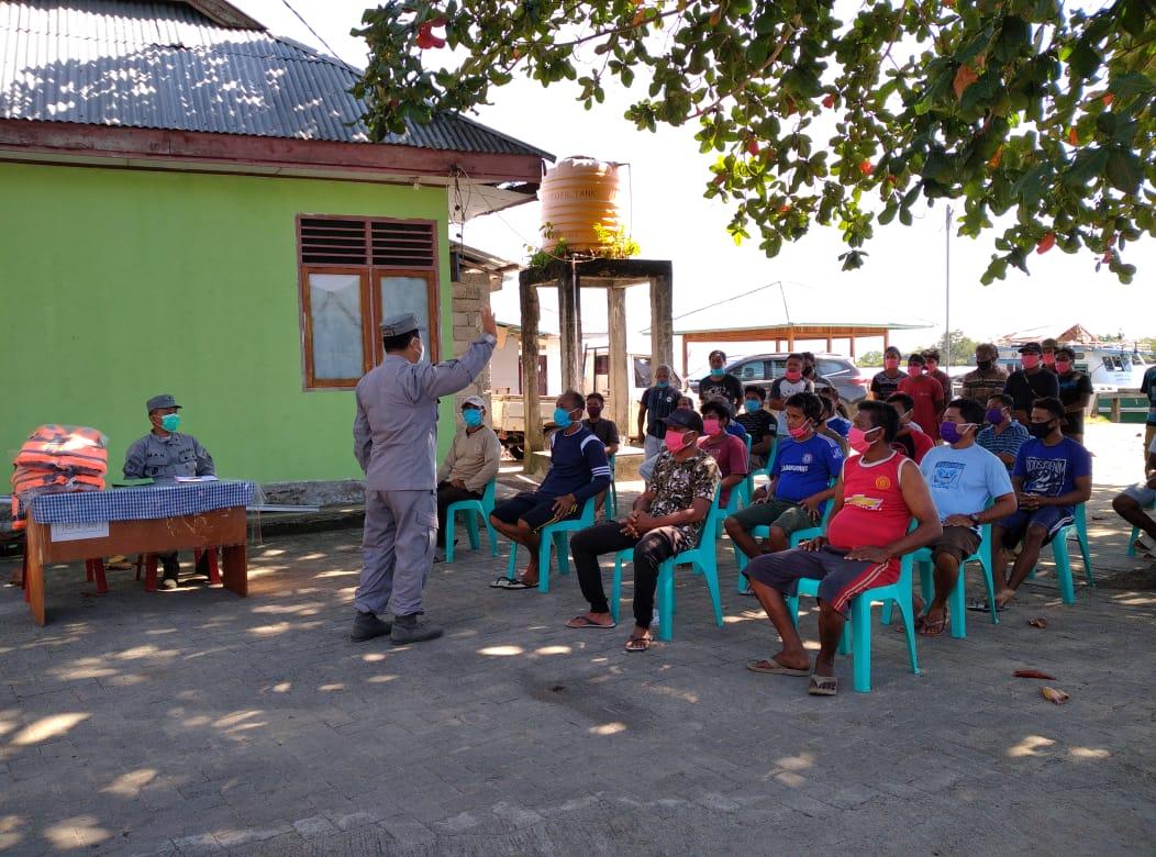 Kamla Zona Maritim Tengah Sosialisasi Keselamatan Laut Pada Nelayan Serei