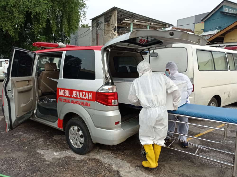 PMI kota Jaksel Berikan Pelayanan evakuasi Jenazah Terpapar Covid 19