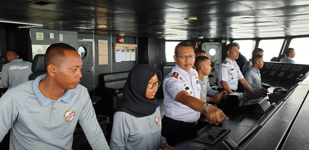 Paramiliter Bakamla Latihan dan Simulasi Peran di Atas Kapal