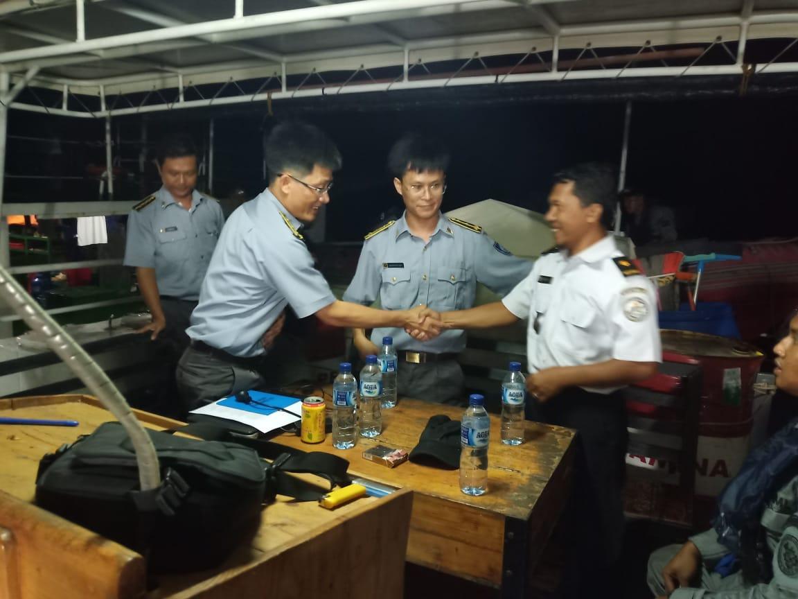 Bakamla (IDNCG) berhasil Halau Kapal Vietnam yang Layar di  Perairan Indonesia