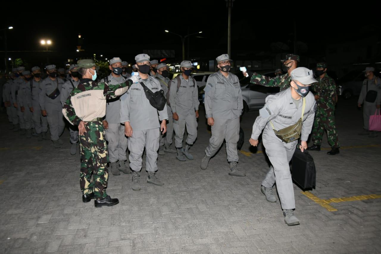 Komandan Sekolah Perwira Puslatdiksarmil Sambut Kedatangan Calon Paramiliter Bakamla RI