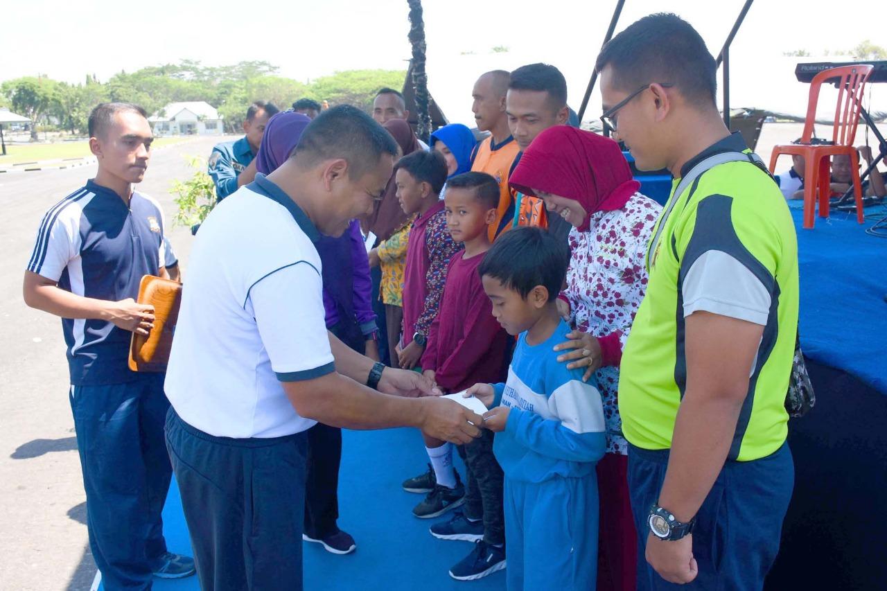 PERINGATI HUT KEMERDEKAAN REPUBLIK INDONESIA KE 74 TAHUN 2019 MENART 2 MARINIR GELAR BERBAGAI LOMBA