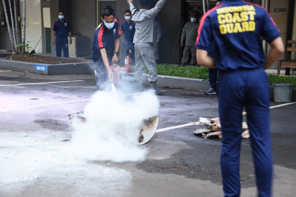 Jelang Libur Lebaran, Bakamla RI Lakukan Latihan Peran Kebakaran