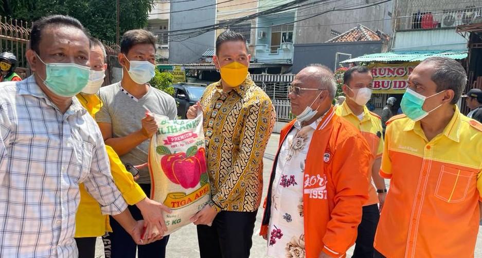 KOSGORO 57 Distribusikan Bantuan Korban Kebakaran Taman sari Jakarta Barat