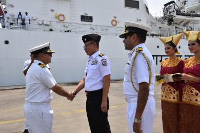 Bakamla RI Sambut Kedatangan Indian Coast Guard Shaurya 16