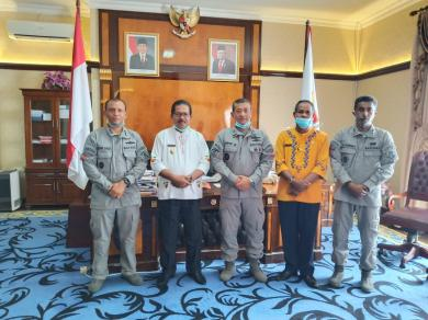 Bahas Operasi Cegah Tangkal, Zona Maritim Timur Temui Bupati Seram Barat
