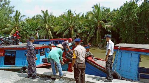 SPKKL Sambas Turut Tertibkan Registrasi Kapal di Penjajab
